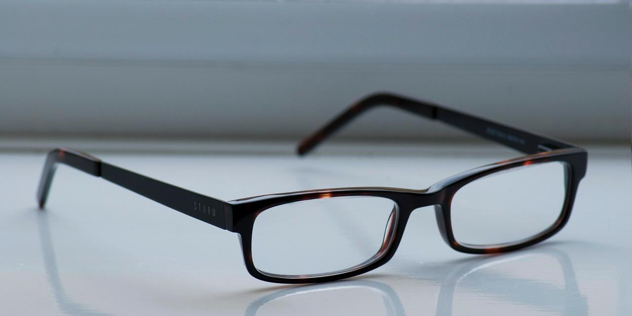 メガネベストドレッサー賞を受賞した人たちが全然メガネ似合ってない件