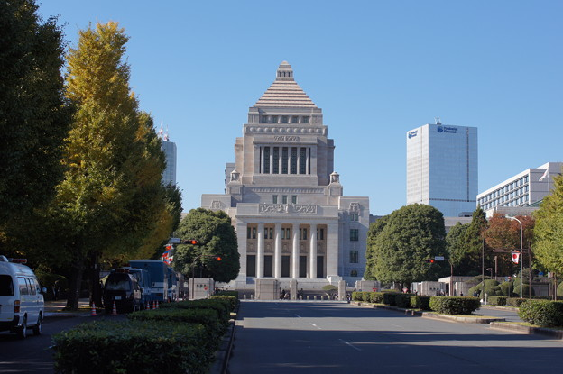 小渕優子経済産業大臣の辞任と政権の支持って本当は関係ないと思うんですよね