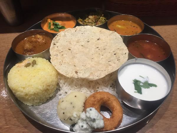 東京八重洲地下街でインドカレー食べるならエリックサウス